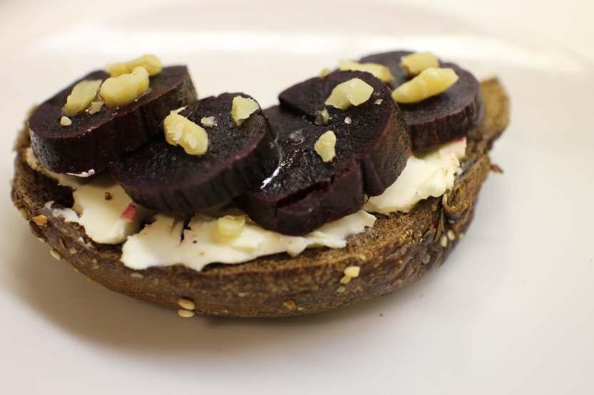 2013 0524 IMG_1806 Beets, cream cheese, bagel