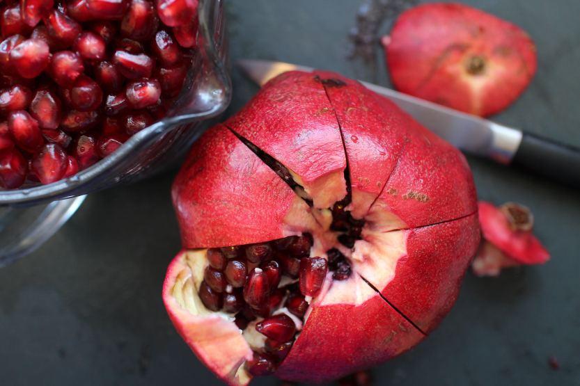 2014 0119 IMG_3652 Pomegranate scored