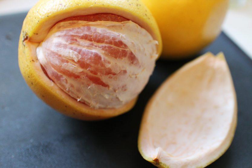 2014 0125 IMG_3770 Grapefruit peeled