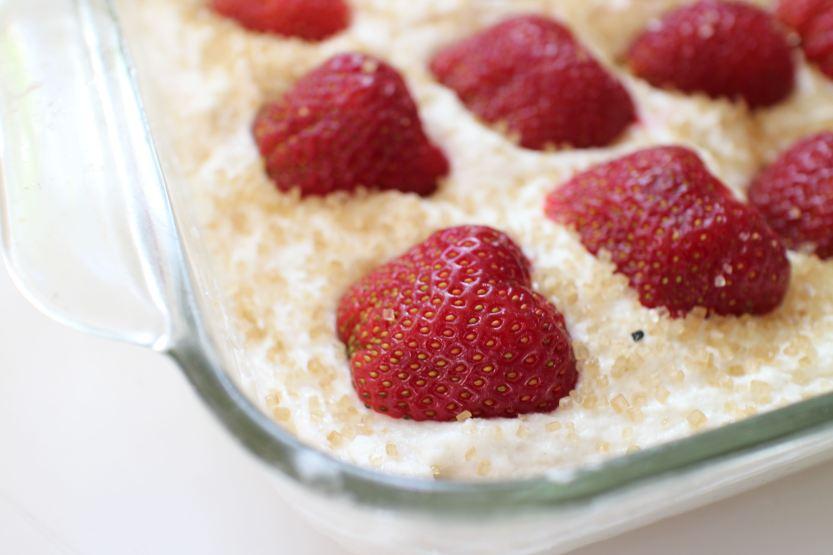 2014 0620 IMG_4465 Strawberry cake, before
