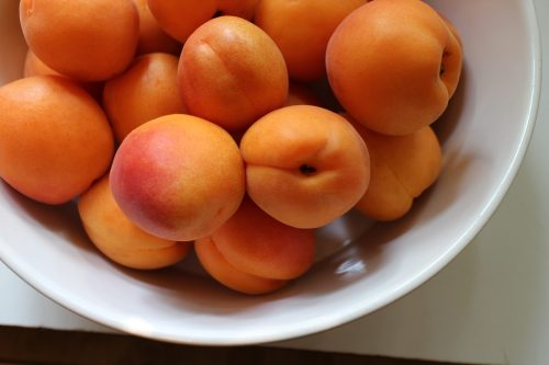 2014 0802 Apricots in a Bowl