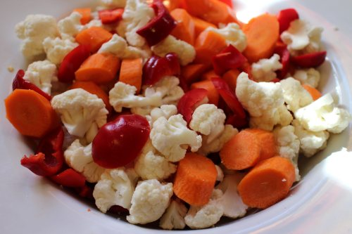 2014 1109 Chopped cauliflower, carrots and red peppers