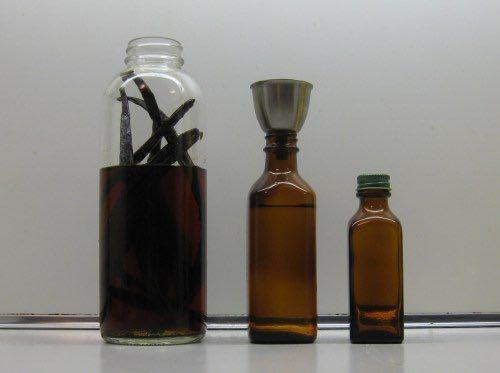 2015 0610 Vanilla extract