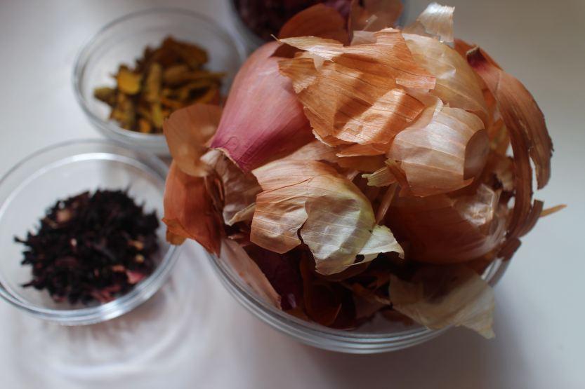 20200412 Onion skins, hibiscus turmeric IMG_8053