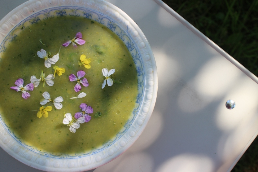 20200612 Asparagus soup with radish flowers IMG_8349